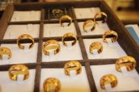 ALIM GÜCÜ - Altını alan yok satan çok