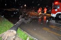 ŞİDDETLİ YAĞIŞ - Antalya'da Sağanak Yağış Ve Fırtına