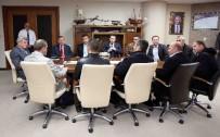 HAYIRSEVERLER - Başkan Karaosmanoğlu, İZKANDER Ve Bilim Sanat Kültür Derneğini Makamında Ağırladı