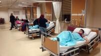 DÖNER EKMEK - Bursa'da Gıda Zehirlenmesi Şüphesiyle 11 Öğrenci Hastanelik Oldu