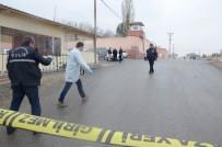 YAKıNCA - Cezaevi önünde silahlı saldırı: 3 yaralı