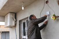 ELEKTRİK SAYAÇLARI - Elektrik Kesintisi Eylemi Yapılan Mahallede Kaçak Kullanım Tespit Edildi