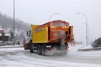KONAKLı - Erzurum'da Kar Yağışı Başladı