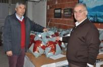 HAYIRSEVER İŞ ADAMI - İhtiyaç Sahibi Vatandaşlara Mont Ve Bot Yardımı