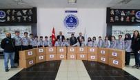 İZCILIK FEDERASYONU - Kağıtspor Yardım Elini Türkmenlere Uzattı