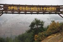 BALıKESIR MERKEZ - Manisa'nın Spil Dağı'na Mevsimin İlk Karı Düştü