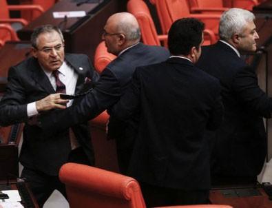 Meclis'te gergin dakikalar! HDP'li vekil...