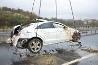 KARŞIYAKA - Otomobil Uçuruma Yuvarlandı Açıklaması 1 Yaralı