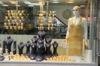 EXPO - 360 Bin TL Değerindeki Altın Elbise Gebze'de Satışa Çıktı