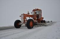 KARACADAĞ - Siverek-Diyarbakır Karayolu Kar Nedeniyle Kapandı