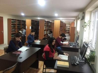 TİKA'dan Bakü'de İlahiyat Fakültesi'ne donanım desteği