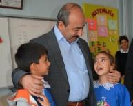 Başkan Arpacı, Kendine Mektup Yazan Minik Öğrencileri Ziyaret Etti