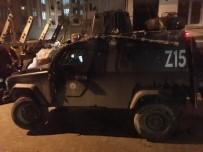 ESENYURT DEVLET HASTANESİ - Esenyurt'ta Polis Aracı Devrildi Açıklaması 3 Yaralı