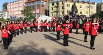 GİRESUN VALİSİ - Giresun'da Öğrenciler İşaret Diliyle 15 Temmuz Marşı Okudular