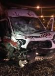 Hasta Taşıyan Ambulans Kaza Yaptı Açıklaması 3 Yaralı