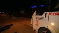 MİNİBÜS ŞOFÖRÜ - Minibüs Çarpışmanın Etkisiyle Takla Attı Açıklaması 2 Yaralı