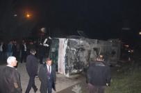 YOLCU MİDİBÜSÜ - Düzce'de Midibüs Devrildi Açıklaması 9 Yaralı