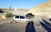 MALATYA ÜNİVERSİTESİ - Otomobille Kamyonet Çarpıştı Açıklaması 5 Yaralı