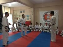 AVRUPA ŞAMPİYONU - Paspasla Gelen Karate Şampiyonluğu