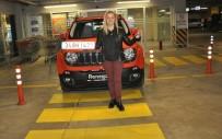 ÇEKİLİŞ - 100 TL'ye kazandığı aracını teslim aldı