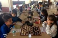 SATRANÇ FEDERASYONU - Çeşme'de Satranç Sporuna İlgi Artıyor