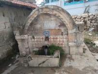 KOCAPıNAR - Hisarcık'ta 166 Yıllık Tarihi Çeşme Bakımsızlıktan Dökülüyor