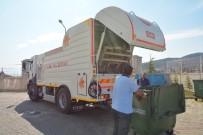 ÇÖP KONTEYNERİ - Körfez'de Temizlik Çalışmaları Sürüyor