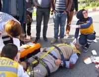 YAYA GEÇİDİ - Otomobilin Çarptığı Şahıs Ağır Yaralandı