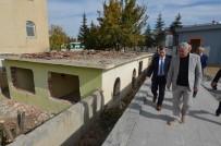 CAMİ İMAMI - Yeşilyurt Belediyesi Bu Yıl 53 Metruk Ev Yıkımı Yaptı