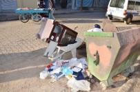 ÇÖP KONTEYNERİ - İş Yerini Soyan Hırsızlar Çelik Kasayı El Arabası İle Taşıdı
