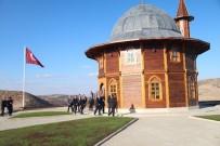KEMAL YURTNAÇ - Akdağmadeni Ahşap Cami'de İlk Namazı Diyanet İşleri Başkanı Görmez Kıldı