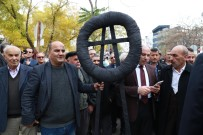 KÖY KORUCULARI - Almanya'ya Siyah Çelenkli Protesto