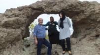 Burhaniye'de Deliktaş Kaya Sunağı İlgi Gördü