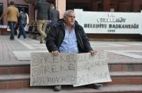 OTOPARK GÖREVLİSİ - Eylemci Polisin Elini Isırdı