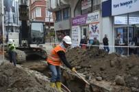 ŞEBEKE HATTI - Fatsa'da 30 Yıllık Su Şebeke Hattı Yenilendi