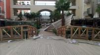 ŞİDDETLİ LODOS - İzmir'de Lodos, Faciaya Yol Açıyordu
