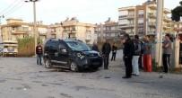 SARıLAR - Manavgat'ta Kaza Açıklaması 2 Yaralı