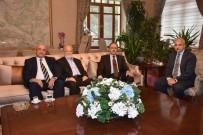 İŞ BANKASı - Manisa CBÜ Yükseköğrenim Vakfı Vali Güvençer'i Ziyaret Etti
