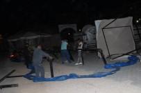 ŞİDDETLİ LODOS - Manisa'da Şiddetli Lodos Çadırları Uçurdu