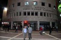 HALK BANKASı - Antalya Vergi Dairesinde Yapılandırma İçin Gece Mesaisi