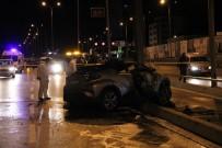 EDİRNE - Avcılar'da Direğe Çarpan Otomobil Alev Aldı Açıklaması 2 Ölü