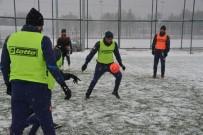 AHMET YILDIRIM - BB Erzurumspor Kar Yağışı Altında Antrenman Yaptı