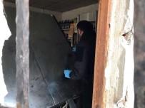 OLAY YERİ İNCELEME - Büfeye Giren Hırsızlar 30 Bin TL'lik Sigara Ve Alkol Çaldılar