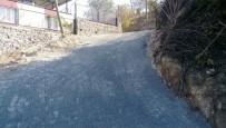 MESUT ÖZAKCAN - Dereköy Mahallesi Yazın Tozdan, Kışın Çamurdan Kurtuldu