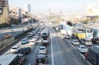 ÜST GEÇİT - İBB'nin Bitmeyen Çalışması Anadolu Yakası'nın Trafiğini Kilitledi