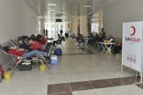 KMÜ'lü Öğrencilerden Kan Bağışı