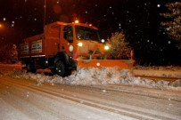 İŞ MAKİNESİ - Konya Büyükşehir, Kar Ve Buzlanmaya Karşı 24 Saat Göreve Hazır