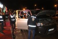 MERMİ - Konya'da Eğlence Merkezlerine 450 Polisle 'Huzur Uygulaması'