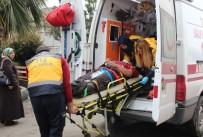 İŞ KAZASI - Omzuna Asansör Düşen İşçi Yaralandı