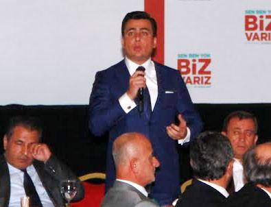 Osman Gökçek meclis üyeleriyle yemekte bir araya geldi